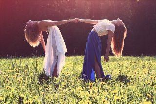 legame di amicizia.