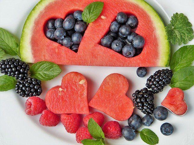 Come CONTROLLARE la fame in 5 semplici MOSSE